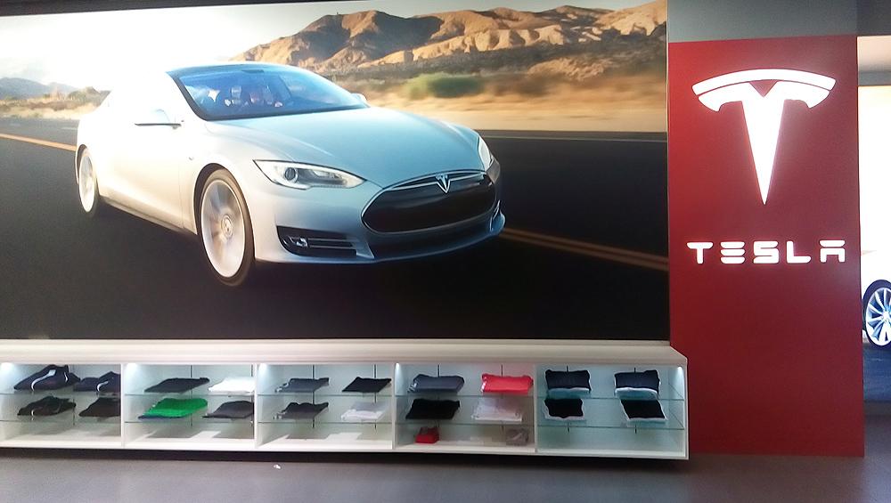 Tesla北京体验展厅