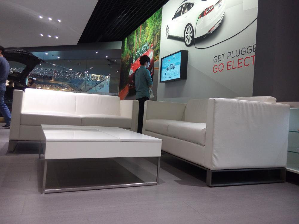 Tesla展厅 顾客休息区