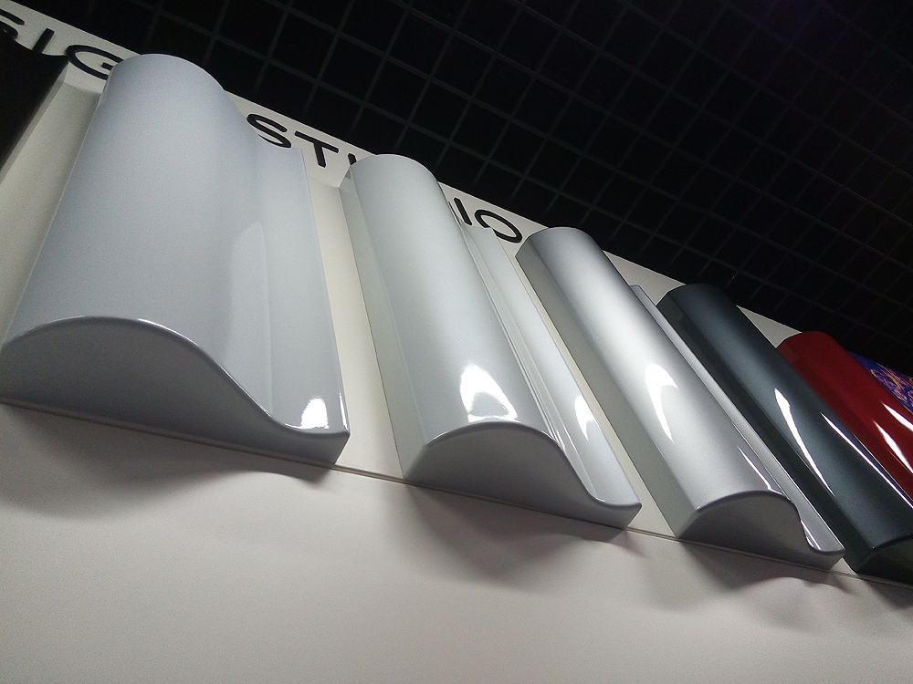 Tesla北京体验店 配饰墙